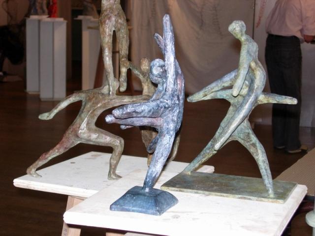 Mireille bronze la danse