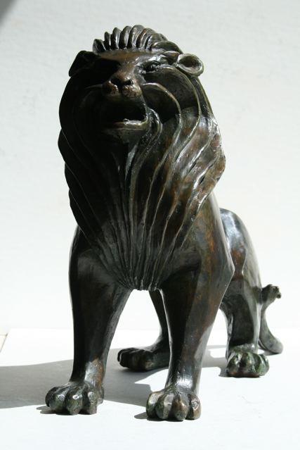 Xavier lion bronze